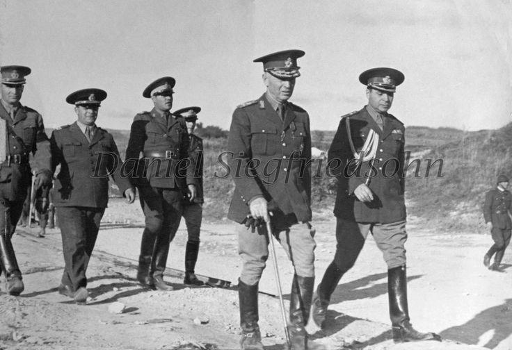 https://flic.kr/p/Jm9JXU | 04. Ion Antonescu în inspecţie de front prin Basarabia