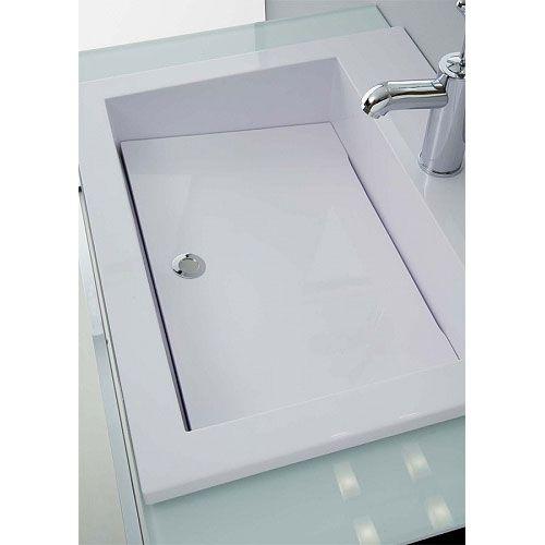 Lavatoio Zeus chiuso dalla tavola inclusa nel lavatoio. L'acqua esce solo dagli estremi della tavola senza entrare nella prima vasca.