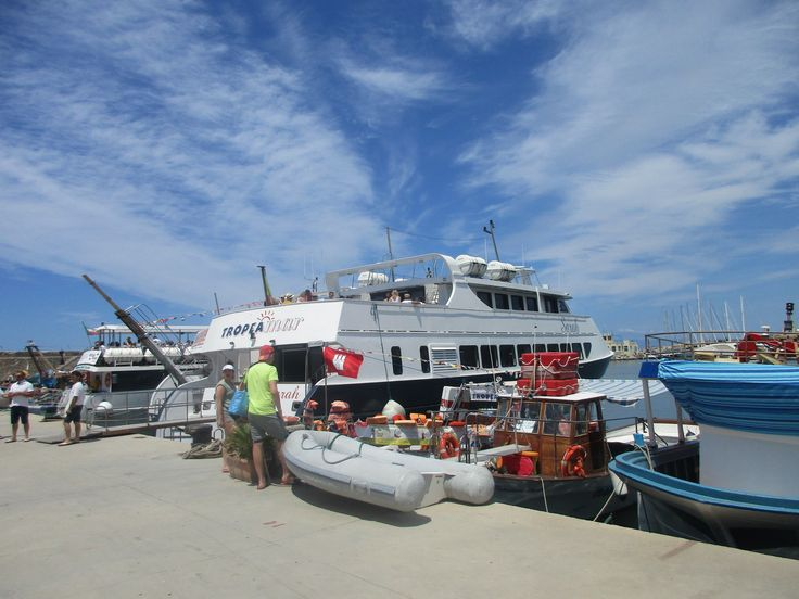 Výletní loď na ostrov Stromboli - Itálie