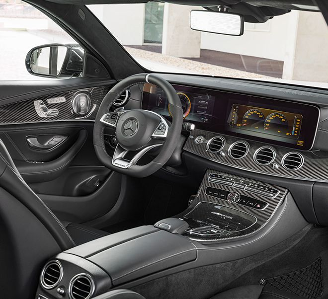 Mercedes-AMG E 63 S 4MATIC+ Estate (S 213): The interior reinforces the consistently dynamic bias with numerous specially designed details.