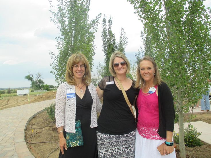 Seven Stones Botanical Gardens Cemetery (www.discoversevenstones.com) was thrilled to be the location host for the July 2017  Highlands Ranch Chamber/Roxborough Business Association Business After Hours Networking event.  Members enjoyed a delicious variety of pizza, provided by co-host Mici, http://www.miciitalian.com/  and Hefeweizen brew beer, provided by Grist Brewing Company https://www.gristbrewingcompany.com/. Wine from ViaONEHOPE was also served, to complement this beautiful summer…