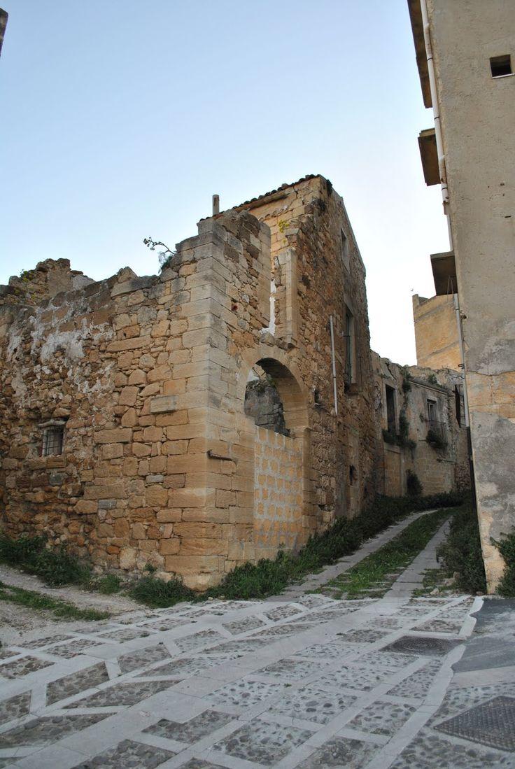Filippo Puglia: Salemi - Teatro all'aperto o giardino del Carmine