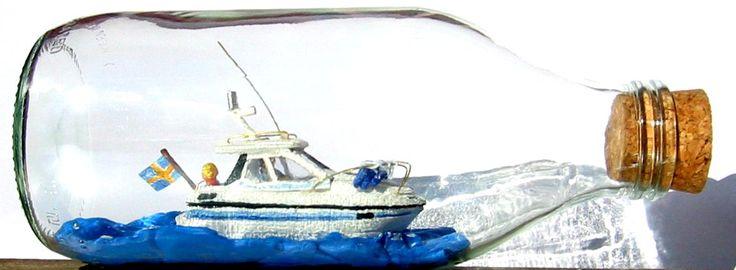 Flipper 717 introducerades i slutet av 1980 talet. Denna flaskmodell är en av mina första flaskskepp (2006) och en gåva till en flipperägare.