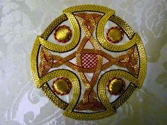 http://www.megonline.co.uk/wp-content/gallery/elizabeth-hoare-embroidery-gallery-liverpool-cathedral/P1130205.JPG
