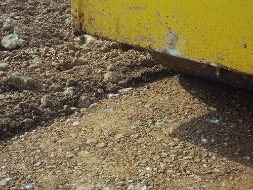 Συμπήκνωση βραχώδους επιχώματος από οδοστρωτήρα Bomag