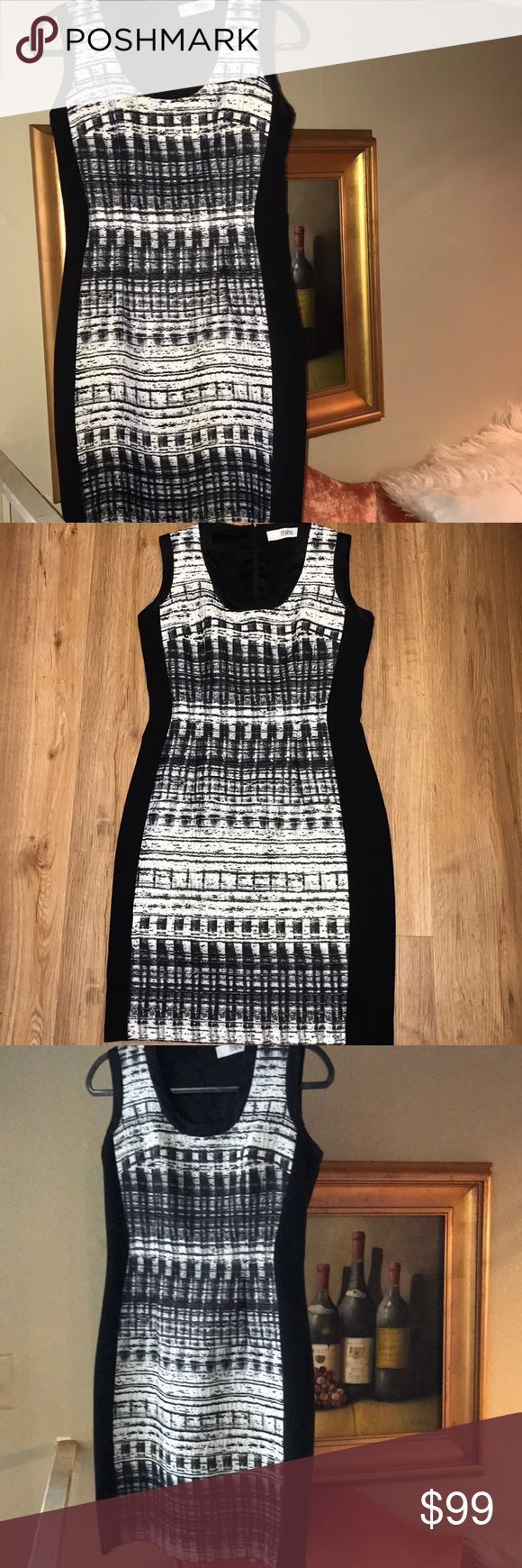 PRABAL GURUNG dress size 6 Beautiful dress in size 6 Excellent preowned condition Prabal Gurung Dresses Midi