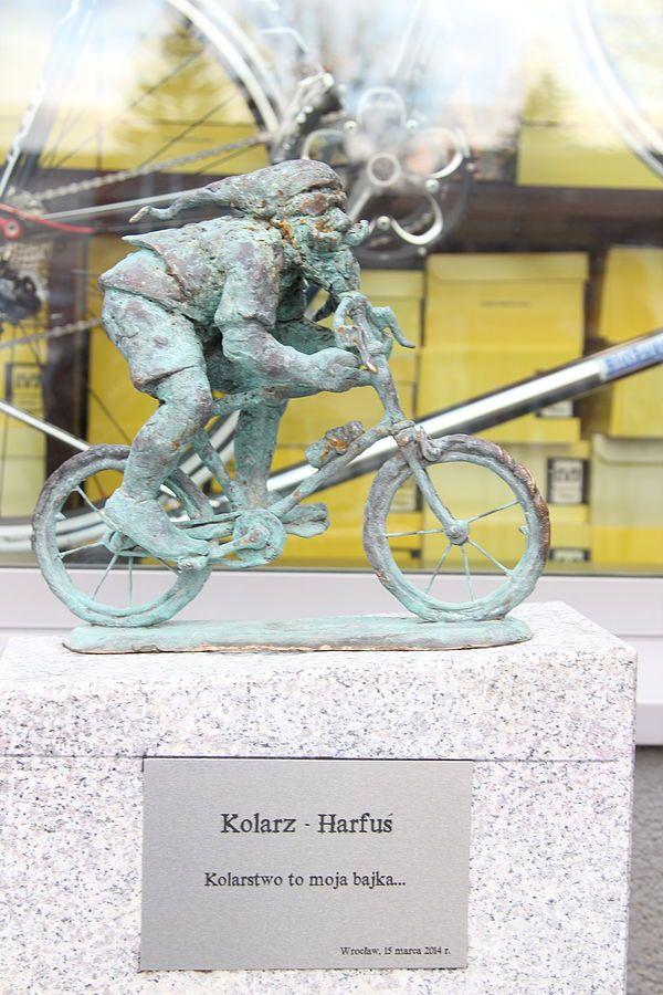 Harfus [harpist], Robotnicza 52A, Dolnośląskie Centrum Rowerowe Harfa-Harrysonn; autor: Tomasz Moczek