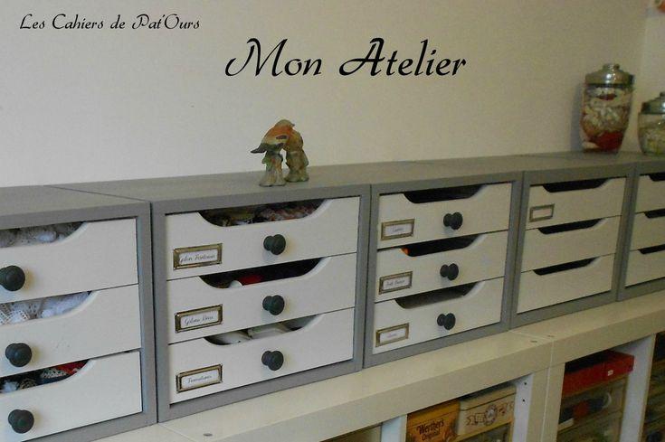 Les Cahiers de Pat'Ours  ...Nouvelle décoration de mon atelier avec des casiers refais en gris et blanc