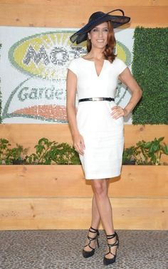 Like Kate Walsh's look. Particularly the hat.