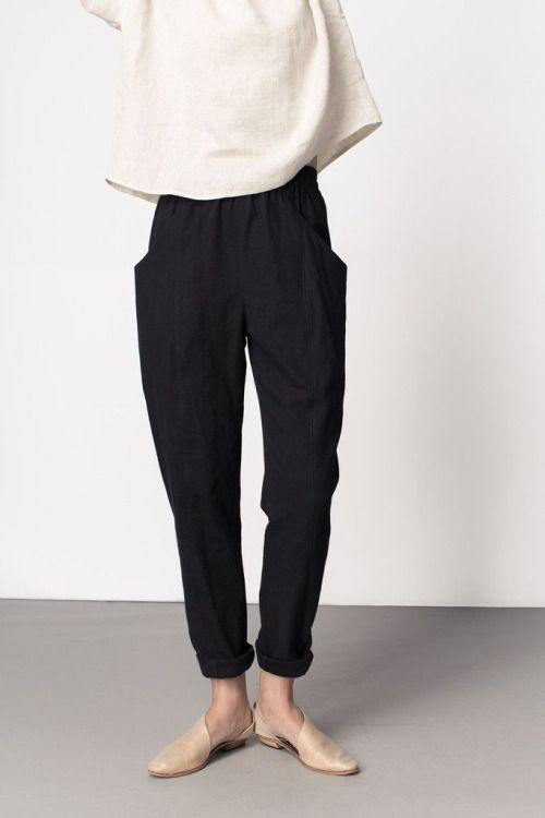 minimalist fashion -ugh - AGAIN with the black and white. Great trouser shape though. Tunic looks comfy but I'd want to see how it flares or doesn't from bust to hip.
