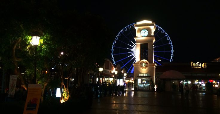 Nightly entertainment for Bangkok's nouveau riche at Asiatique the river front night market in Thailand. Travel, backpacking, southeast asia