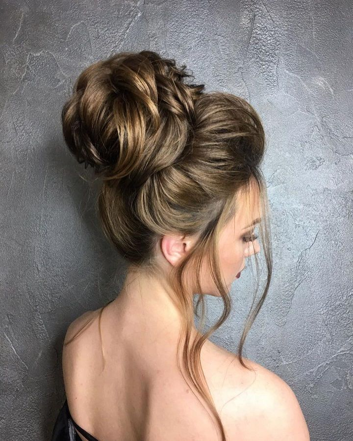 wedding top knot,High bun wedding hairstyle - There are many ways to make your wedding hairstyle romantic - Romantic Wedding Hairstyles ,wedding hair loose