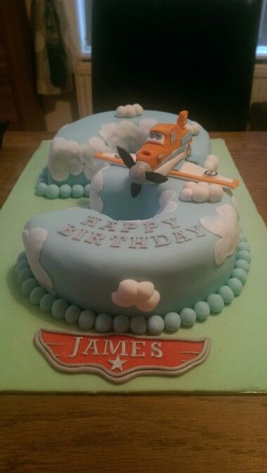 Dusty crophopper planes cake