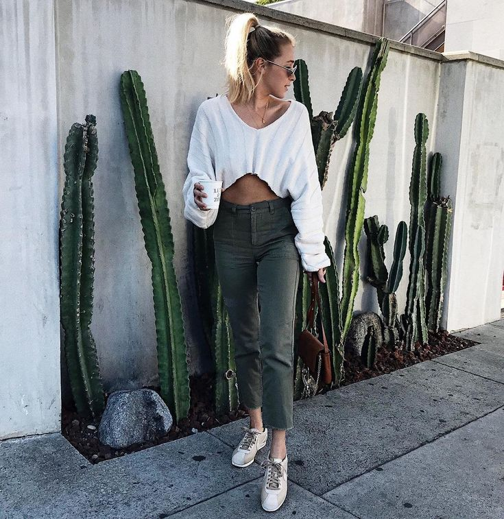 """2,475 Likes, 56 Comments - PAYTON ★ SARTAIN (@paytonsartain) on Instagram: """"sunday scaries are in full force today ppl ♀️ ( but this outfit makes me seem put-together ).…"""""""