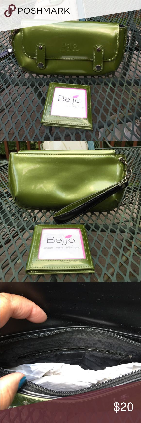 Beijo clutch Green Beijo clutch. Detachable carry strap. Has enough room for iPhone 6s. Lipstick. Credit card. Keys.  beijo Bags Clutches & Wristlets