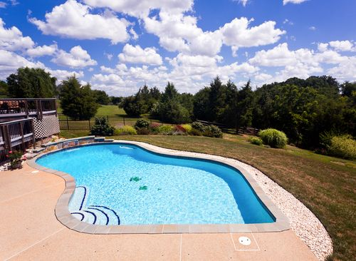 How Much Does it Cost to Maintain a Swimming Pool Year Round?