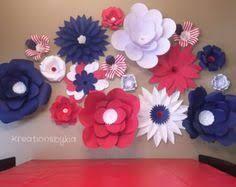 Resultado de imagem para prop art flower wall