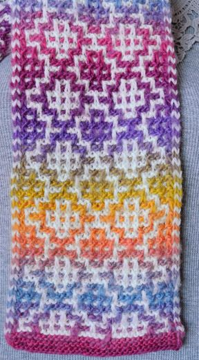 Mosaic Scarf in Mochi Plus (detail)