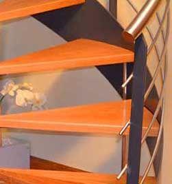 Peldaños de la escalera de caracol.