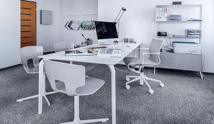 B+L Verlags AG in Switzerland: erice chairs / TEC table / rollingframe chair