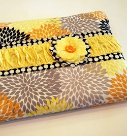 November 17 ~ Gifts for Hipsters « Sew,Mama,Sew! Blog: Zippers Laptops, Diy Laptops, Sleeve Tutorials, Gifts Ideas, Laptops Bags, Laptops Covers, Laptops Cases, Laptops Sleeve, Laptop Sleeves