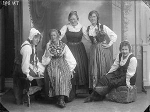 Studio photo from the last century (Bohuslän Museum)