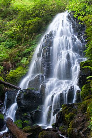 Why are there fewer waterfalls on the Washington side of the Columbia River?  It's drier, for one thing, since the Washington side faces south and receives more sunlight.  More importantly, though,...