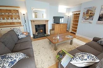 Living area at Granary Cottage, Tattingstone http://www.bestofsuffolk.co.uk/
