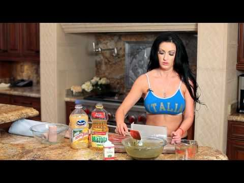 How to make a body wrap at home that fights cellulite! - YouTube