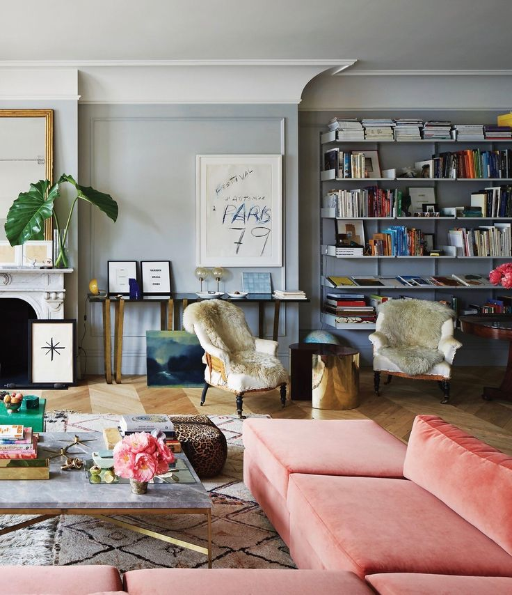 Today's our lucky day! T Magazine has just revealed the newly redesigned SoHo home of Jenna Lyons (style icon and the former president of J.Crew). The spacious 3,500-square-foot loft is in a 19th-century cast-iron building and is brimming with Jenna's impossibly cool, one-of-a-kind style. I love all the colorful details from her little malachite boxes …