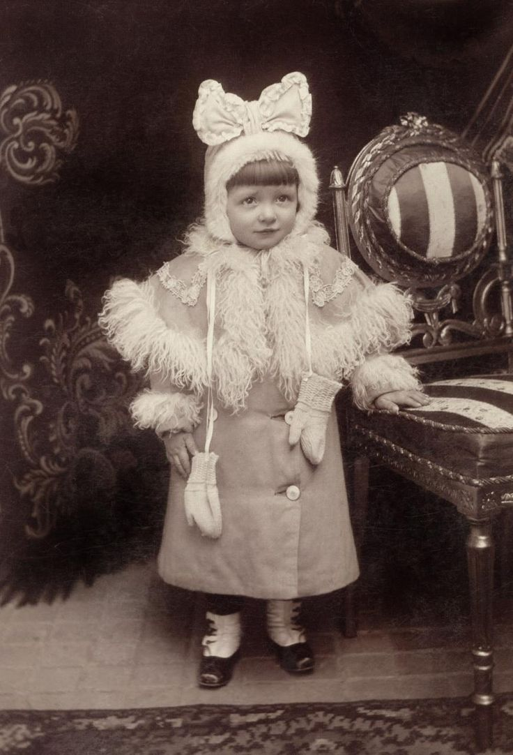 19thcentury:  Little Girl in Cutest Outfit