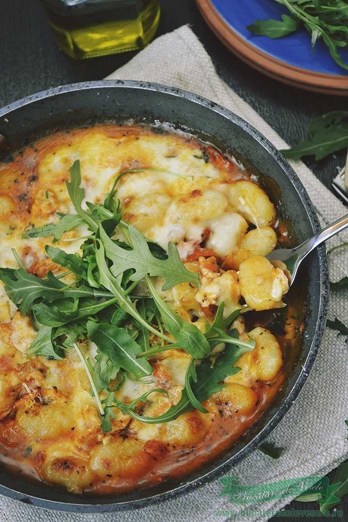 gnocchi de cartofi cu pui si mozzarella