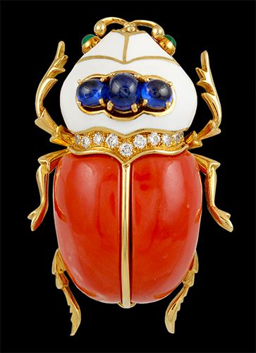 DAVID WEBB 'Scarab' Coral, Cabochon Sapphire & Sapphire, Diamond Brooch - Yafa Jewelry