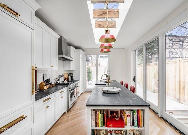 Emily Blunt and John Krasinski's Just-Listed Brooklyn Brownstone Is Legit the House Of Our Dreams via @PureWow