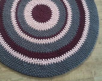 "Crochet round rug, fabric yarn round rug ,zpagetti yarn rug ,handmade 59"" t shirt rug ready to ship. rag rug"