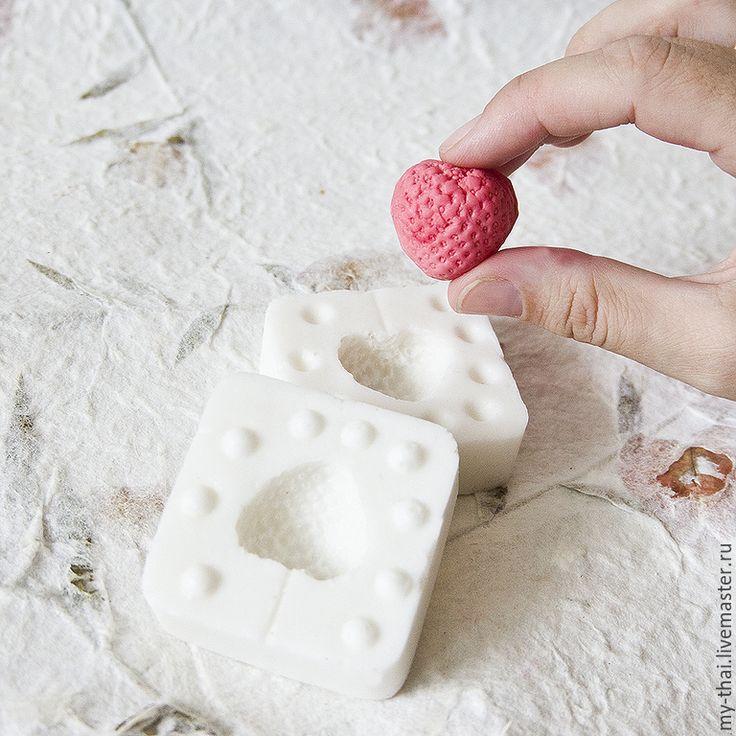 Клубника. Молд пищевой силикон. Цена 350 руб. www.my-thai-sale.ru - все для керамической и сахарной флористики