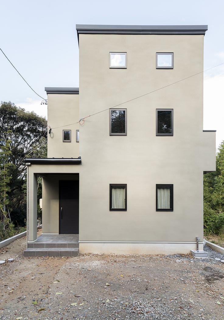 industrial minimal house / exterior