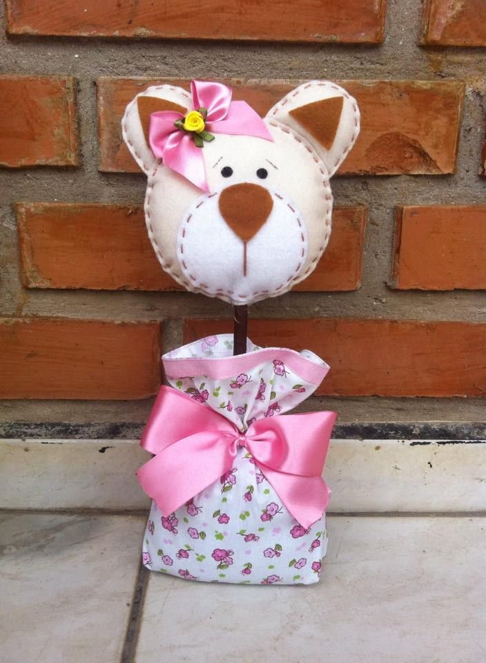 centro de mesa ursa marrom com rosa pode tb ser confeccionado em masculino urso marrom com azul, potinho ursinha