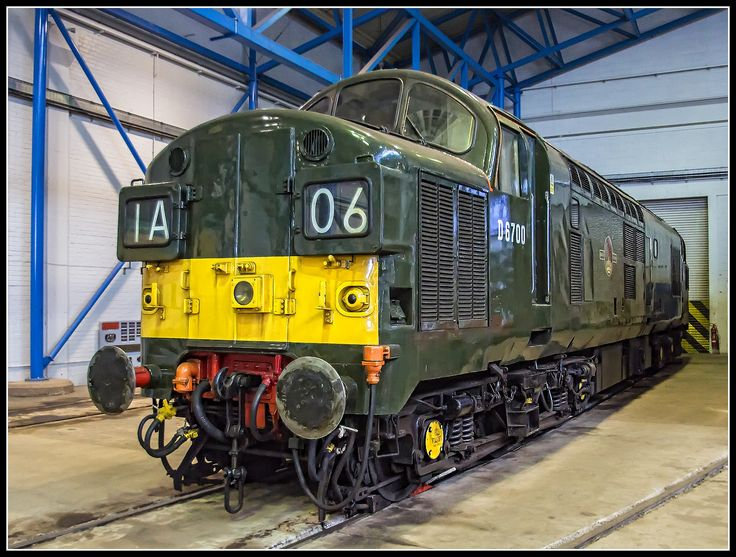 British Rail_Class 37_D 6700_National Railway Museum_York_England