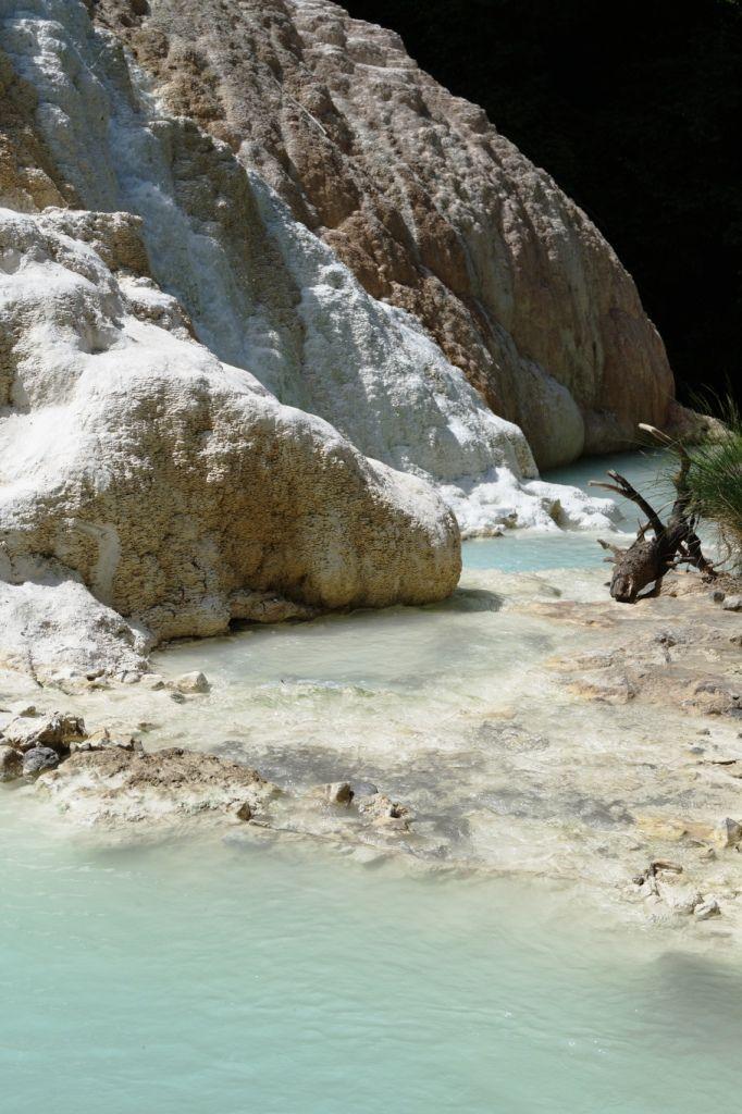 Bagni San Fillipo. Therme in der Toskana. #Toskana #Italien Reisebericht auf Reiseblog ReiseSpatz.de!