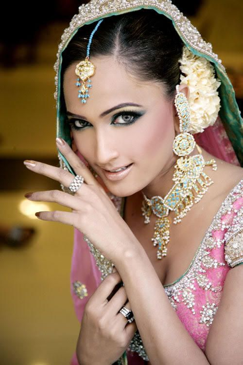 Indian Wedding Dress with Headdress - http://casualweddingdresses.net/indian-wedding-dresses-step-into-a-world-of-color-bliss-and-refined-elegance-with-the-latest-indian-wedding-dresses/