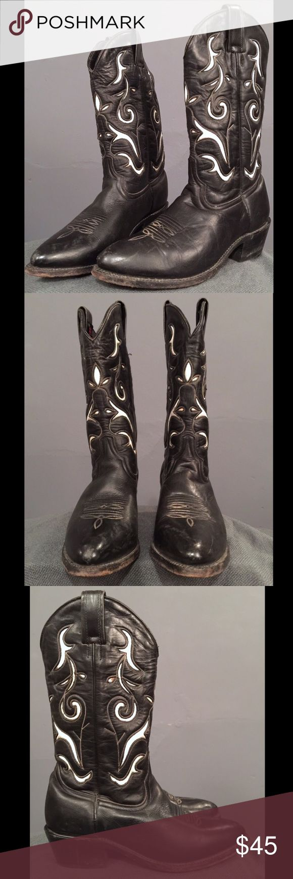 Vintage Durango Rockabilly Cowboy Boots 7.5 Excellent condition. Leather soles. White inlay has some minor discoloration from glue which is hardly noticeable when being worn. Marked 7.5 B Durango Shoes