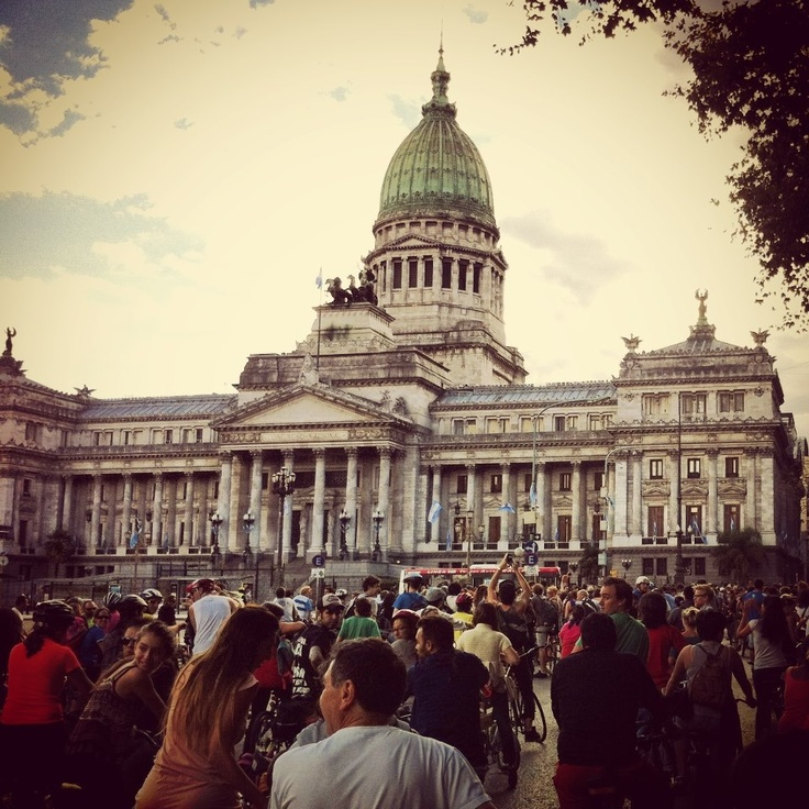 """y como dijo el grande Luca  """"esta si que es ARGENTINA""""  ¡¡ AGUANTE LA MASA CHÉ !!  Masa Critica Buenos Aires"""