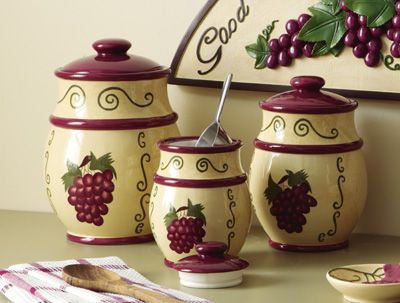 vineyard-themed kitchen