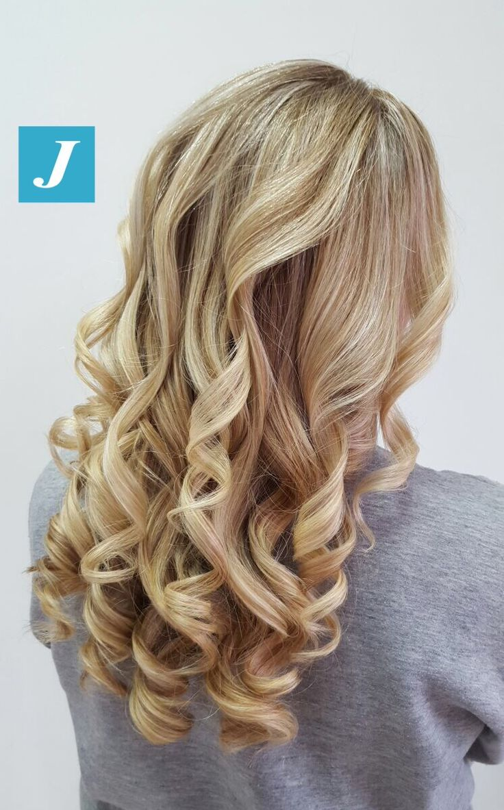 Ice Blond _ Degradé Joelle #cdj #degradejoelle #tagliopuntearia #degradé #igers #musthave #hair #hairstyle #haircolour #longhair #oodt #hairfashion #madeinitaly