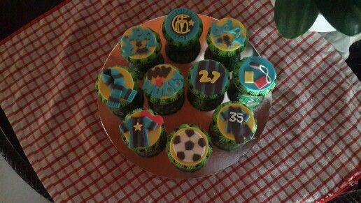 Intermilan bday cupcakes