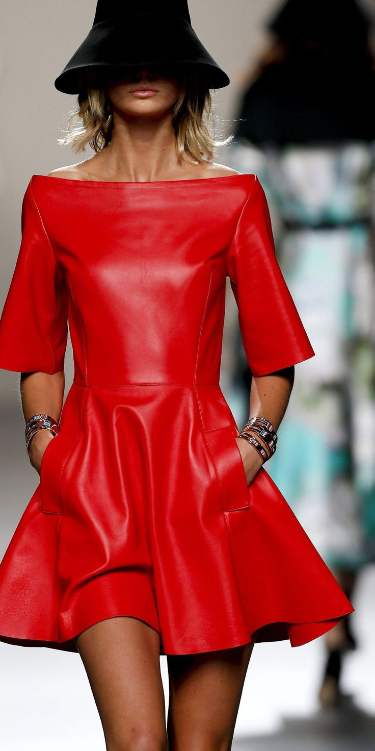 I'm speechless in front of this amazing blood red leather dress by Juanjo Oliva S/S 2014 Madrid