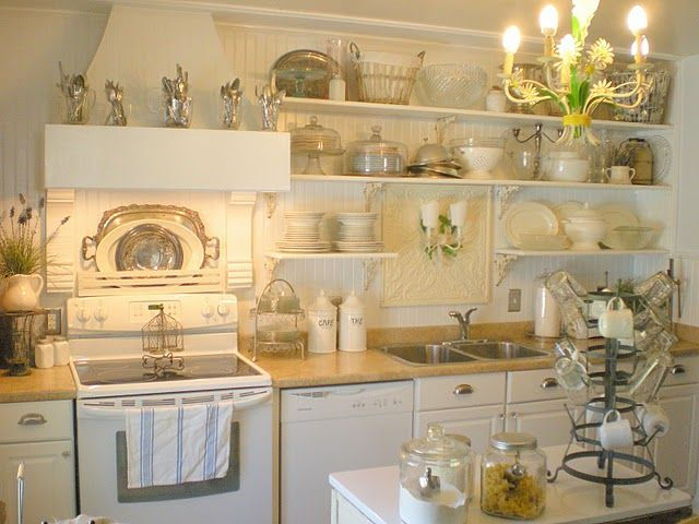 Pretty: Cottages Kitchens, Open Shelves, Shabby Chic, French Country, French Cottages, French Kitchens, Vintage Kitchen, Farms Kitchens, White Kitchens