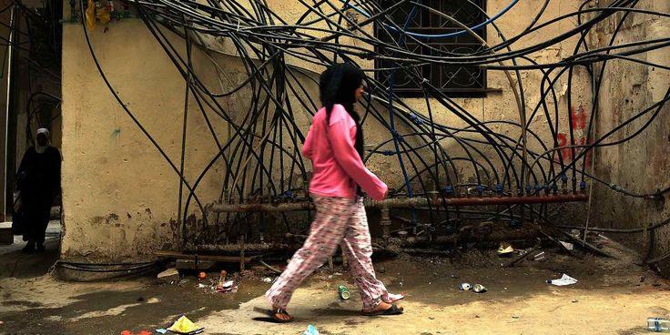 Der Mangel an internationaler Unterstützung und eine Politik der Diskriminierung seitens der libanesischen Behörden führen dazu, dass weibliche Flüchtlinge im Libanon vermehrt sexueller Ausbeutung und Gewalt ausgeliefert sind. Das stellt Amnesty International in ihrem jüngsten Bericht «'I want a safe place': Refugeee women from Syria uprooted and unprotected in Lebanon» fest, der zwei Tage vor der Geberkonferenz für Syrien vom 4. Februar 2016 in London veröffentlicht wird.