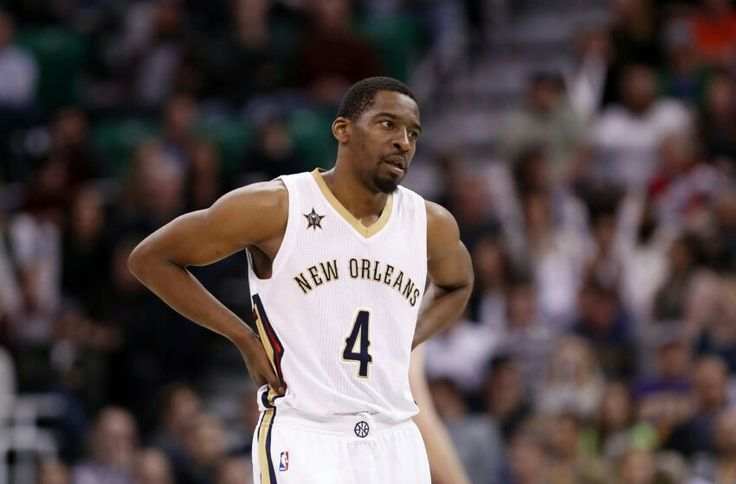 The New Orleans Pelicans give Jordan Crawford a deal for the remainder of the year.